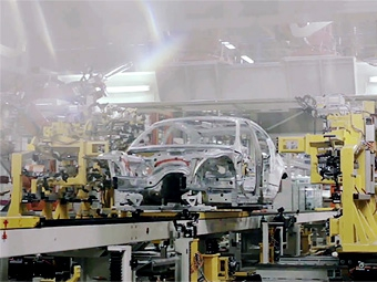 Компания BMW превратила  в музыку звуки производства 1-Series