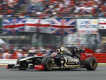 В команде Renault нашли причины отставания от конкурентов