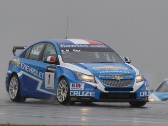 Пилоты Chevrolet заняли весь подиум в первой гонке этапа WTCC в Донингтоне
