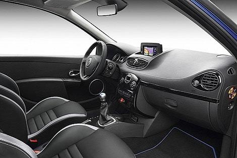 Компания Renault представила новую модель из линейки Gordini. Фото 2