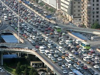 В Китае зарегистрировано 100 миллионов автомобилей