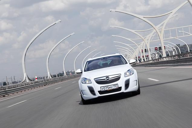 Opel Insignia получила российский паспорт и новые комплектации. Фото 6