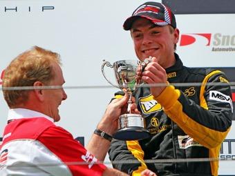 Джек Кларк одержал дебютную победу в Формуле-2