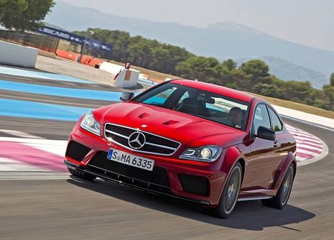 Компания Mercedes-Benz официально представила самую мощную модификацию купе С-Class - C63 AMG Black Series