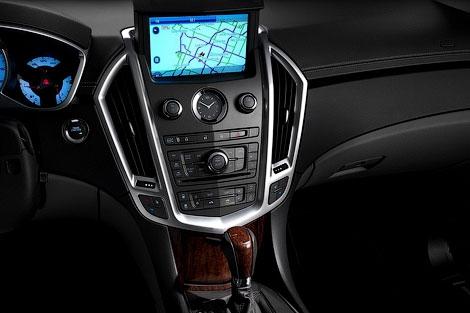 Компания Cadillac представила кроссовер SRX 2012 модельного года. Фото 2