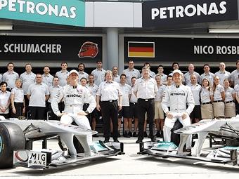 Команда Формулы-1 Mercedes GP наймет 100 новых сотрудников