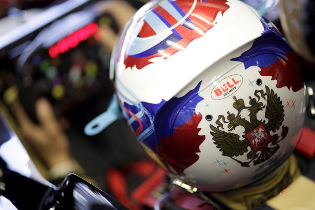 Интервью с менеджером гонщика Формулы-1 Виталия Петрова Оксаной Косаченко. Фото 1