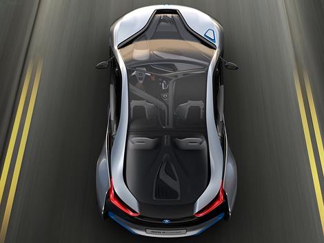 Компания BMW официально представила прототип гибридного спорткара i8. Фото 2