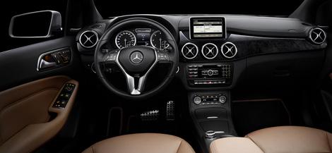 Mercedes-Benz опубликовал снимки интерьера B-Class следующего поколения. Фото 1