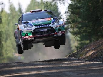 Микко Хирвонен отыграл 30 позиций во второй день Ралли Финляндии
