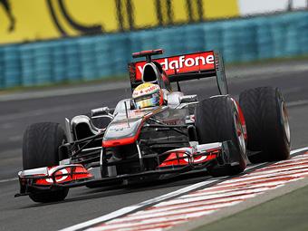 Команда McLaren приняла ответственность за лишний пит-стоп Хэмилтона