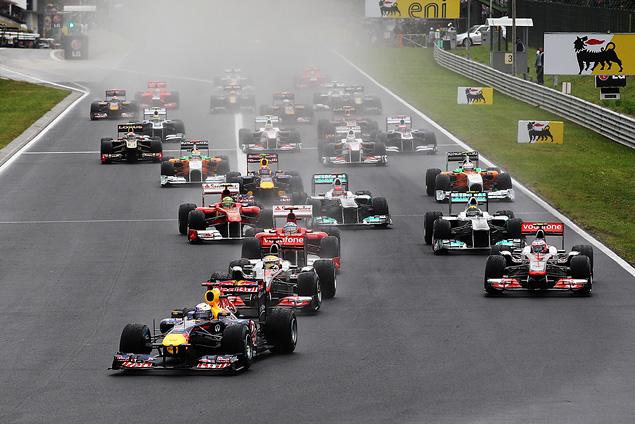 Дженсон Баттон выиграл еще одну дождевую гонку. Фото 1