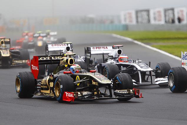 Дженсон Баттон выиграл еще одну дождевую гонку. Фото 5