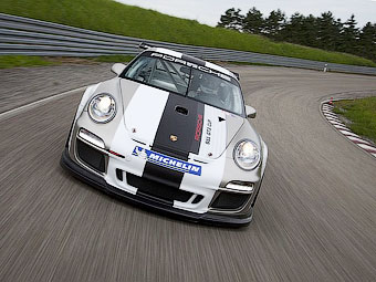 Компания Porsche модернизировала гоночный вариант суперкара 911 GT3 RS