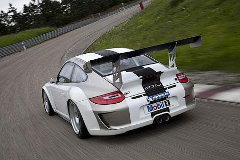Гоночный автомобиль Porsche 911 GT3 RS Cup обновился