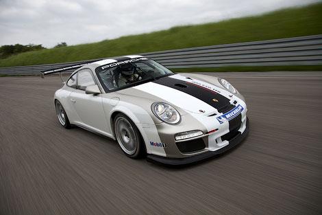 Гоночный автомобиль Porsche 911 GT3 RS Cup обновился. Фото 1