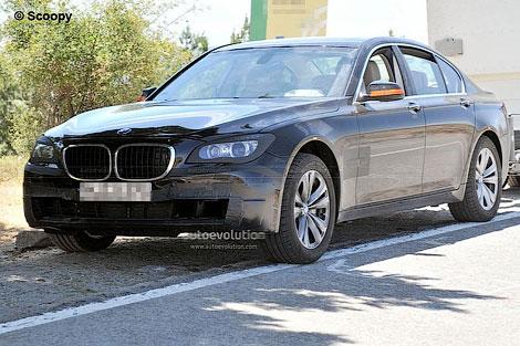 Появились шпионские фотографии рестайлингового седана BMW 7-Series