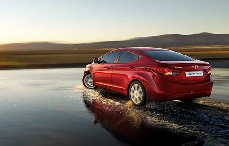 В России Hyundai Elantra нового поколения будет предлагаться в четырех комплектациях и с двумя моторами