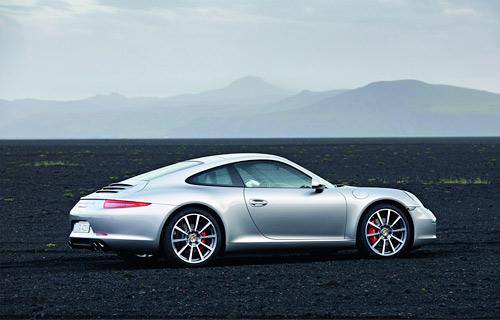 Фото нового Porsche 911 попали в сеть раньше срока