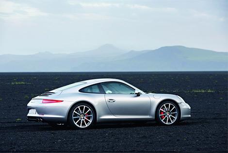Изображения спорткупе Porsche 911 нового поколения попали в интернет до официальной премьеры