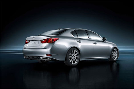 Появились новые изображения Lexus GS следующего поколения