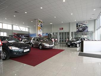 За полгода автомобили в России подорожали на 2820 долларов