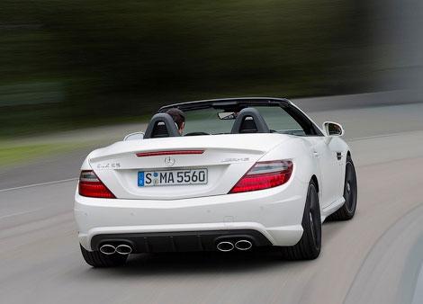 """Компания Mercedes-Benz показала """"заряженный"""" родстер SLK55 AMG. Фото 2"""