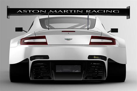 Компания Aston Martin представила гоночную версию суперкара V12 Vantage. Фото 1