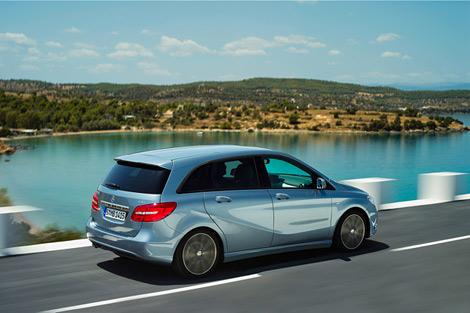Компания Mercedes-Benz официально представила B-Class следующего поколения