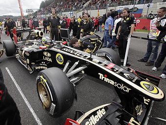 С приходом Сенны команда Renault обрела двух новых спонсоров
