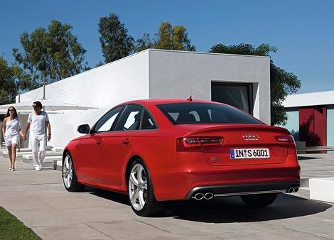 """Компания Audi представила """"заряженные"""" автомобили S6 и S7 Sportback, которые дебютируют в сентябре во Франкфурте. Фото 1"""