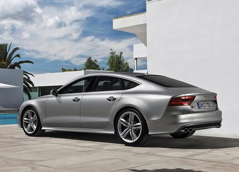 """Компания Audi представила """"заряженные"""" автомобили S6 и S7 Sportback, которые дебютируют в сентябре во Франкфурте. Фото 3"""