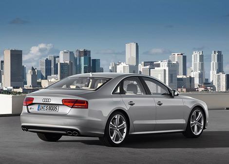 """Компания Audi показала """"заряженную"""" модификацию седана A8 - S8. Фото 2"""
