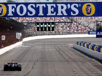 На бывшей трассе Формулы-1 прошли тесты нового болида INDYCAR