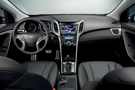 Компания Hyundai распространила первые изображения хэтчбека i30 нового поколения. Фото 1