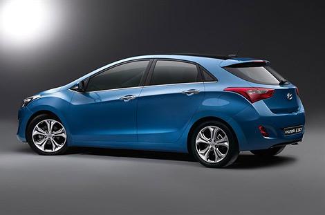 Компания Hyundai распространила первые изображения хэтчбека i30 нового поколения. Фото 2
