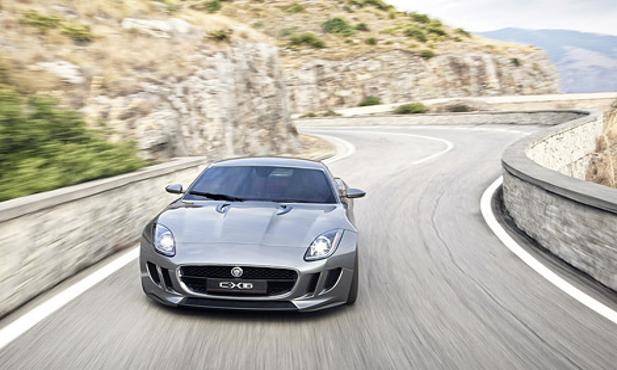Компания Jaguar показала прототип небольшого купе, которое сможет конкурировать с Porsche Cayman