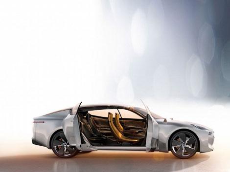 Появились новые изображения заднеприводного автомобиля Kia GT. Фото 1