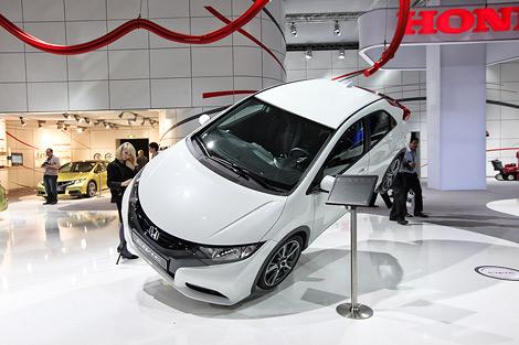 Во Франкфурте дебютировал хэтчбек Honda Civic нового поколения. Фото 2