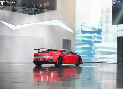 Lamborghini представила гражданский вариант гоночного Gallardo. Фото 1