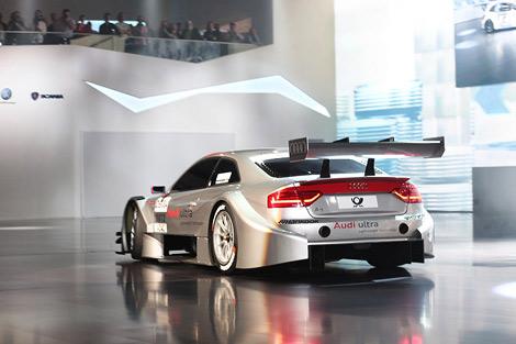 Компания Audi представила модель A5, чей дебют в кузовной гоночной серии DTM намечен на 2012 год