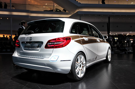 Во Франкфурте показали концептуальную электрическую модификацию нового Mercedes-Benz B-Class. Фото 2