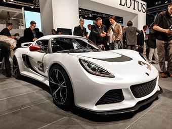 """Lotus показал """"заряженную"""" и раллийную версии спорткара Exige"""