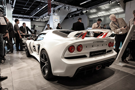 На моторшоу во Франкфурте состоялась премьера двух новых модификаций спорткара Lotus Exige