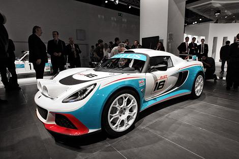 На моторшоу во Франкфурте состоялась премьера двух новых модификаций спорткара Lotus Exige. Фото 1
