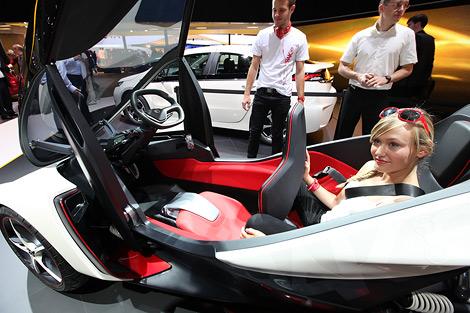 Представленный во Франкфурте прототип Opel RAK e может быть запущен в серийное производство. Фото 3
