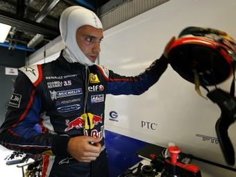 Тестеру Toro Rosso вернули победу в майской гонке Формулы-Renault 3.5