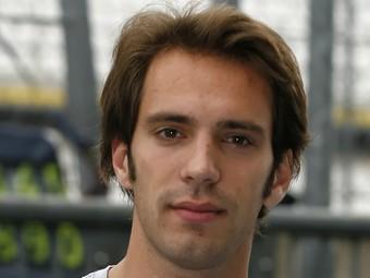 Жан-Эрик Вернь стартует с поул-позиции во французской гонке Формулы-Renault 3.5