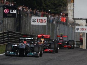 Судьи Гран-при Италии хотели наказать Шумахера за борьбу с Хэмилтоном