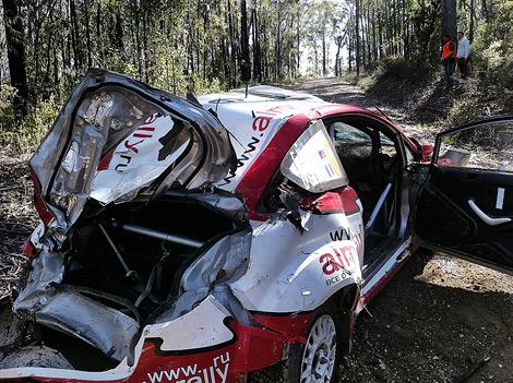 Российский гонщик Евгений Новиков объяснил причины двух вылетов на Ралли Австралии WRC